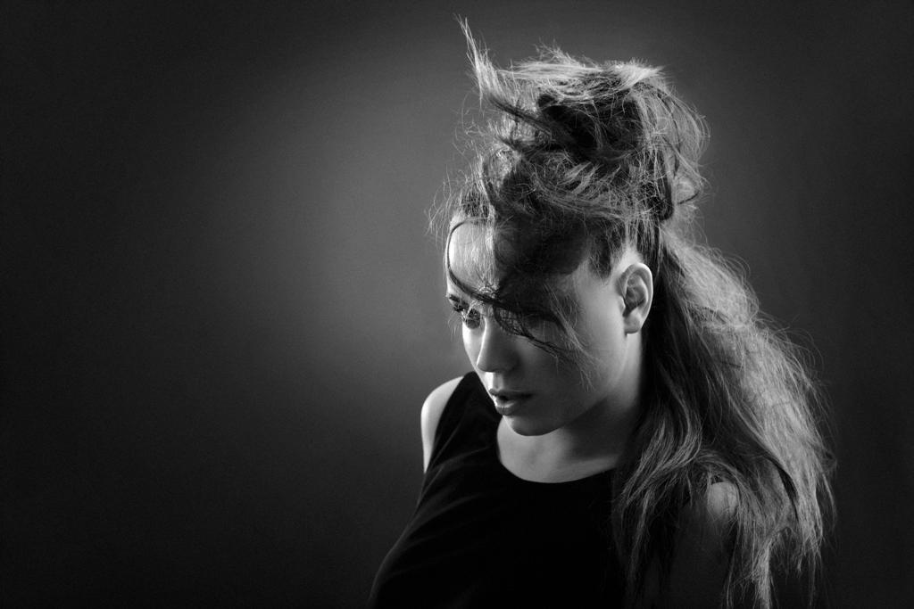 Włosy: Tomasz Marut Foto: Łukasz Radzięta /F4Studio Model:Majka Michejda